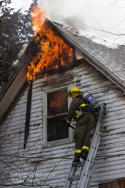 03-16-2014, Dwelling, Bridgeton City, 260 South Ave  (C) Edan Davis, www sjfirenews (87)