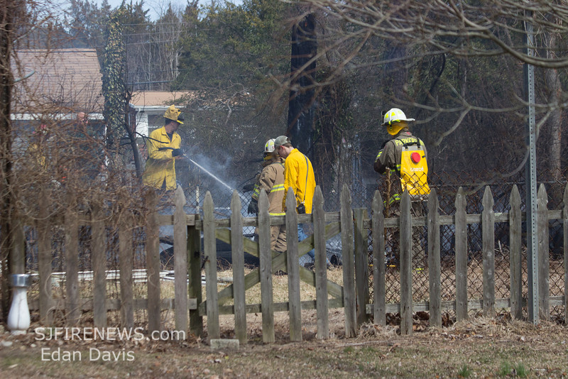 3-15-2014, Brush, Little Egg Harbor Twp  Chaple Ln  (C) Edan Davis, www sjfirenews (8)