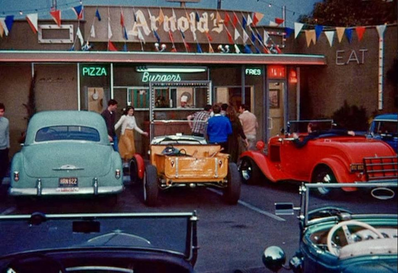 happy days drive inn arnolds