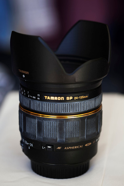 Tamron 24-135-hood -filter set f3-5to5-6nice full frame lens