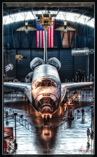 """THE SPACE SHUTTLE DISCOVERY"""