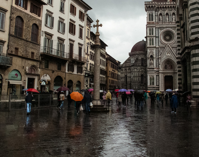 May 2014 - San Zanobi Column beside the Baptistery, Piazza San Giovanni, Florence<br /> Piove sempre sul bagnato<br /> When it rains, it pours