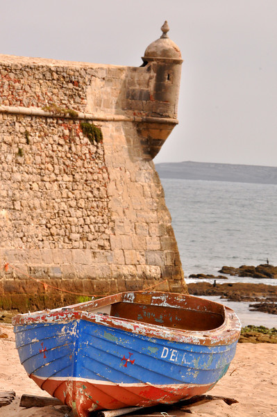 Fort and fishing boat at Praia (Beach) da Gamboa, along the Peniche coastline of Portugal (2)