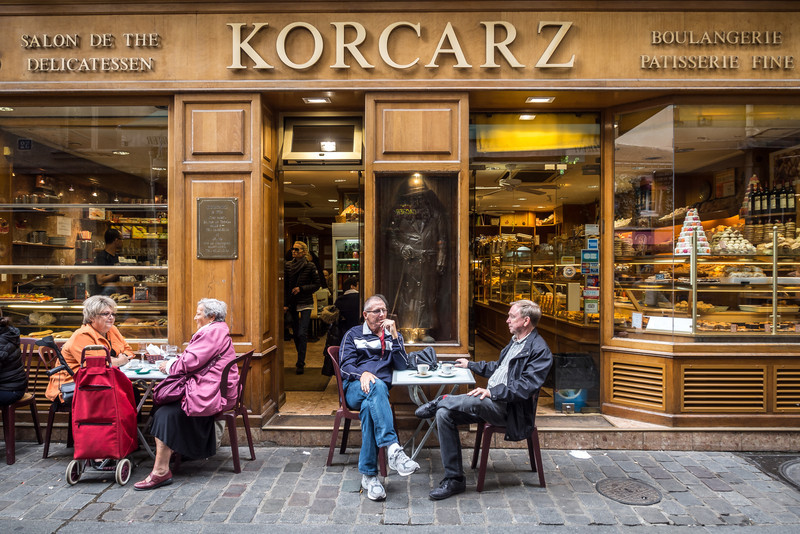 Korcarz, Paris