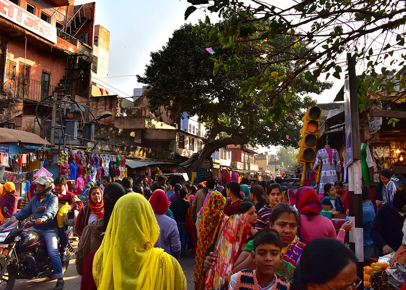 IND_3308-7x5-Busy Market