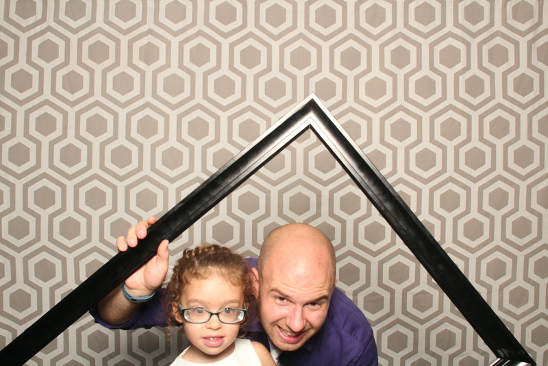 513_Sara-Chad_Photo Booth