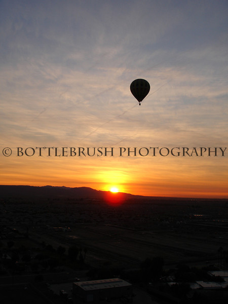 Sunrise hot air balloon ride in Palm Springs, Ca