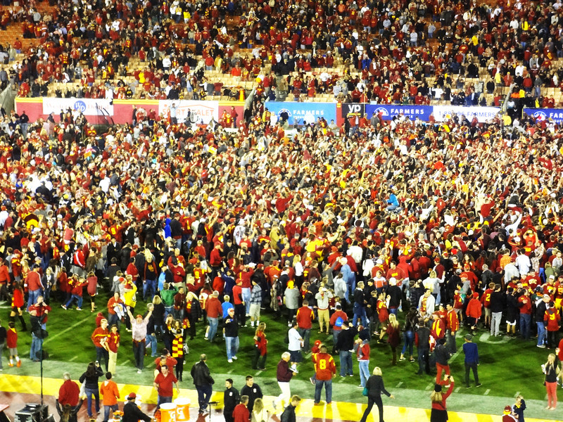 USC beat Stanford in 2013 and Crowd goes on Field