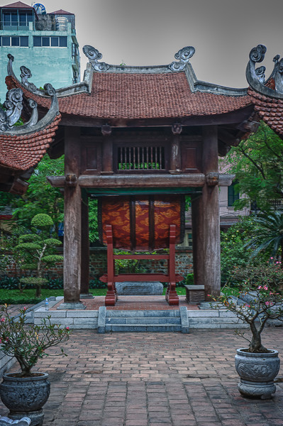 A 5 EV HDR Photograph of a large drum at a Pagoda in Hanoi, Vietnam.  Taken with a Nikon d700, edited in HDR Efex Pro & Lightroom.
