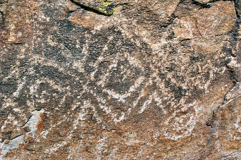 South Mountain petroglyphs: geometric pattern ... perhaps a rattlesnake.
