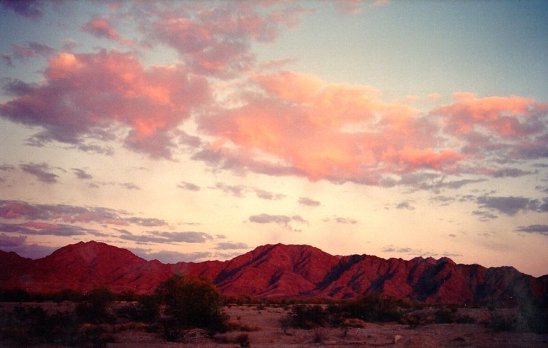 Gila Mountains, near Yuma, AZ, apr 1989SM
