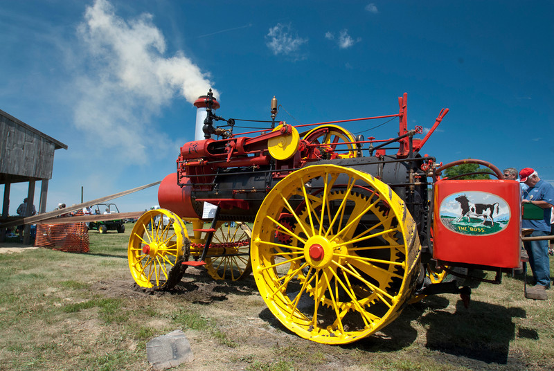 Steam Tractor Working_MLD7314