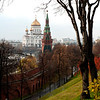 Christ the Savior Cathedral seen from the Moscow Kremlin. 从莫斯科克里姆林宫望向救世主大教堂。