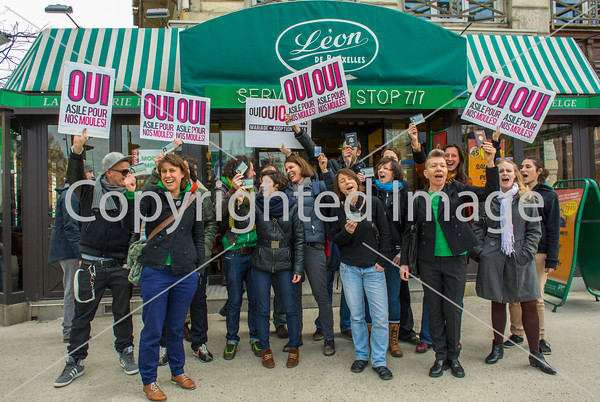 Paris, France, French LGBT Group Oui, Oui, Oui, Protesting Outside Belgium Restaurant for Surrogate Motherhood Law for Gay Marriage, 5/3/2013