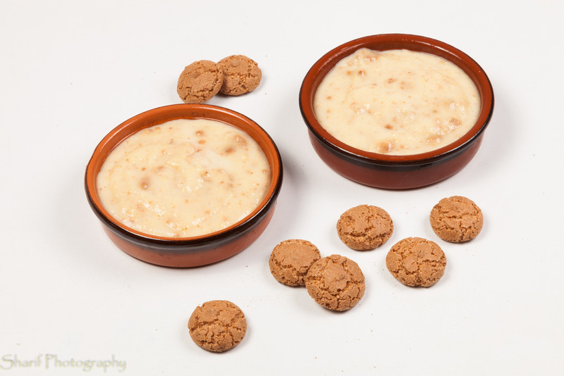 It may look like porridge, but almond-cookie vanilla pudding is delicious!
