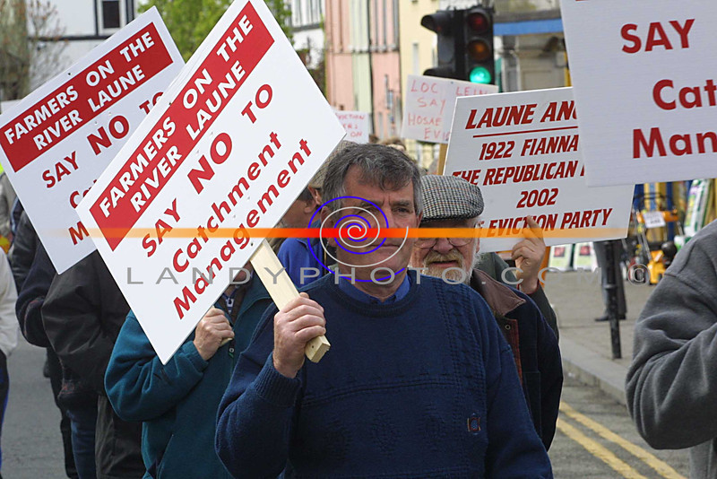 Fishermans march in Listowel at the weekend protesting atthe Goverment new lag on trespasing. Pic Brendan Landy
