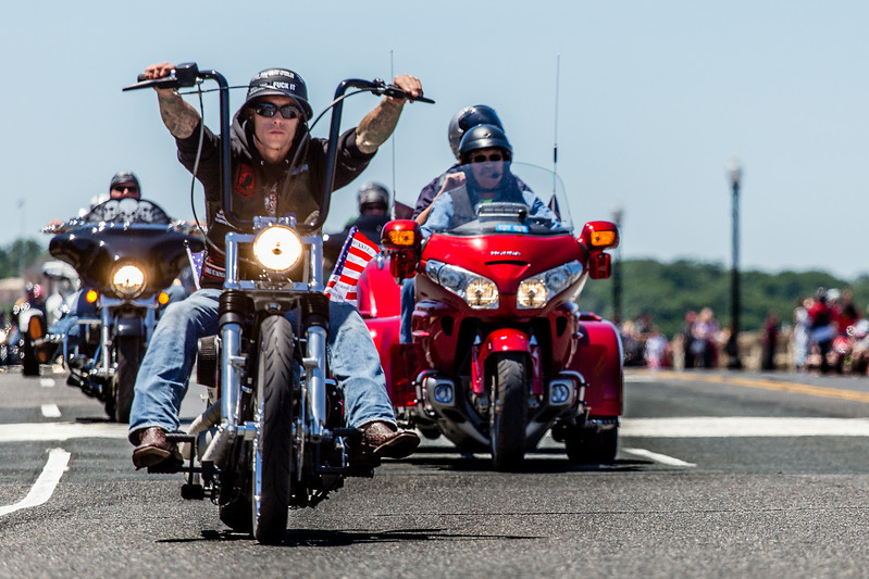 From all corners of the country.  Seattle, Los Angeles, Main. 500,000 riders drove their motorcycles from the Pentagon, via Arlington Cemetery and the Memorial Bridge, towards the Lincoln memorial, around the Capitol Mall, and assembled on a grass field adjacent to the Vietnam memorial.  <br /> <br /> Veterans, their friends, people who felt like showing their support.  Four hours later, you could still see groups of motorcycles completing the route.