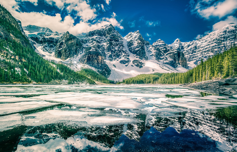 Moraine Lake - Magic Lantern Style