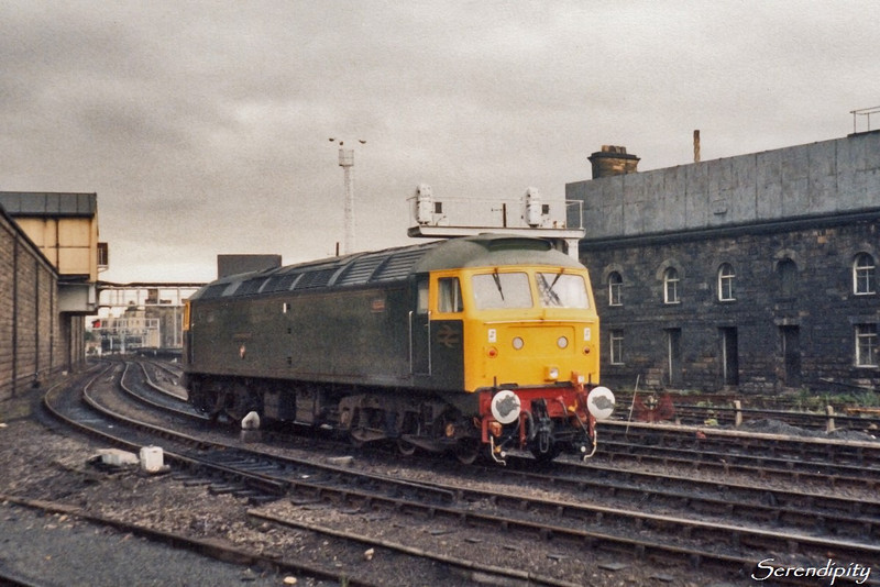 47500 Great Western   Light loco heading to Heaton at Newcastle on 2 August 1985, where it would pick up the stock and return to the West Country on 1V85, 09:23 Newcastle - Penzance.  (1857)