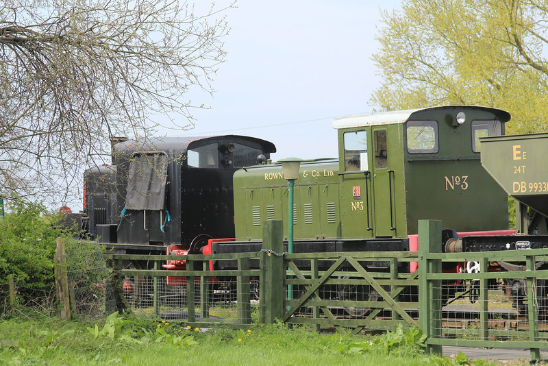 Ruston Hornsby diesel mechanical RH441934 locomotive in Rowntree & Co Ltd No: 3 livery & Churchill 0-4-0 Diesel Mechanical Shunter @ DVLR 21.04.14