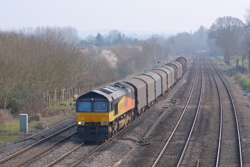 Colas 66846 passes Lower Basildon with 6V62  Tilbury Riverside to Llanwern Exchange Sdgs steel hoppers