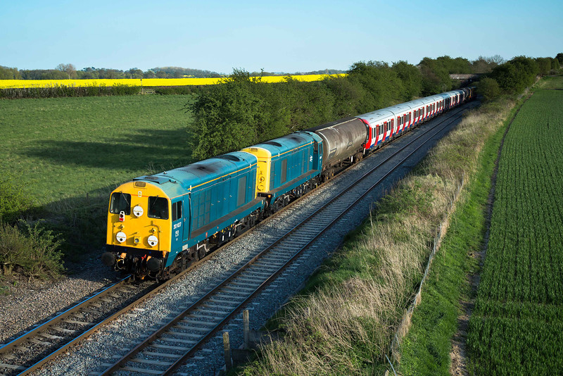 Following the mega shot of the railfreight pair at Wychnor, a bonus shot was pulled in at Portway of the tailing pair of 20107 and 20096. The tube stock was running a little late at this point, due to occupying Elford loop with 6G45 (Toton - Bescot, headed by 66018) at the same time; this required special permission from Network Rail. It is very rare to have two freights in a passing loop at the same time, where there is no seperating signal block.