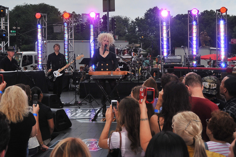 Cyndi  Lauper  Concert  in  NYC    /   Apple  Plaza