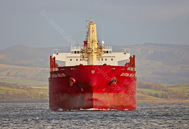 'Sentosa Bulker' Passing East India Harbour - 4 December 2013