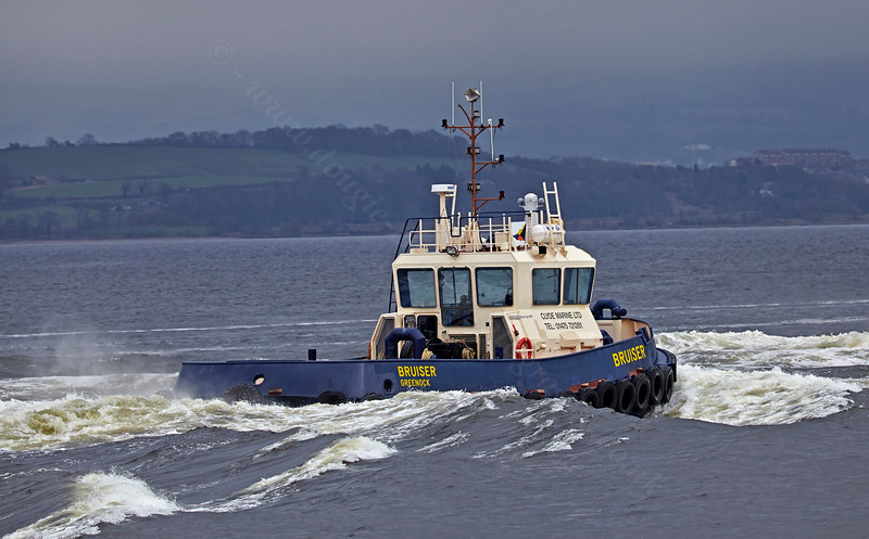 'Bruiser' passing Port Glasgow - 13 March 2014