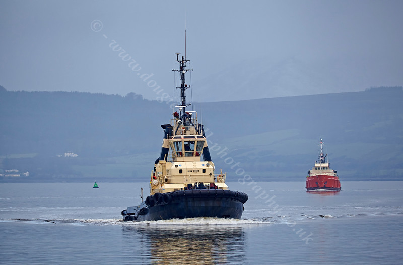 'Anglegarth' Passing East India Harbour - 7 December 2013