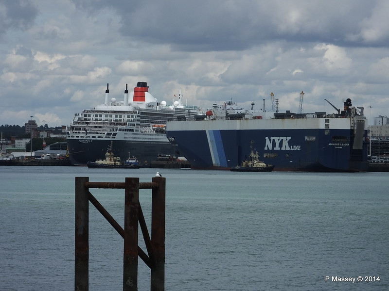 QUEEN MARY 2 AQUARIUS LEADER Southampton PDM 20-08-2014 13-00-37