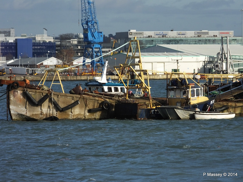 Husbands Jetty with fishing boats VIGILANTE & SEACREST behind PDM 07-12-2014 14-03-36