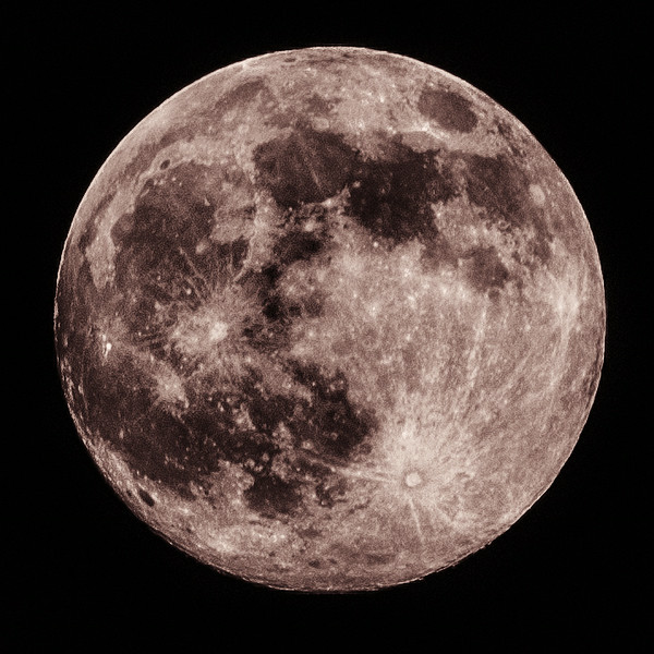 Full moon HDR mono