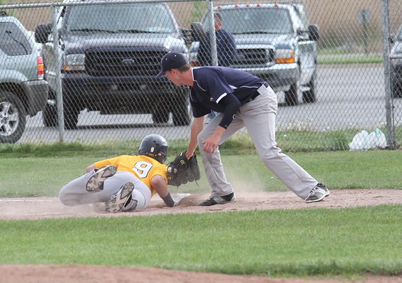 Marysville vs Algonac Baseball (David Angell)