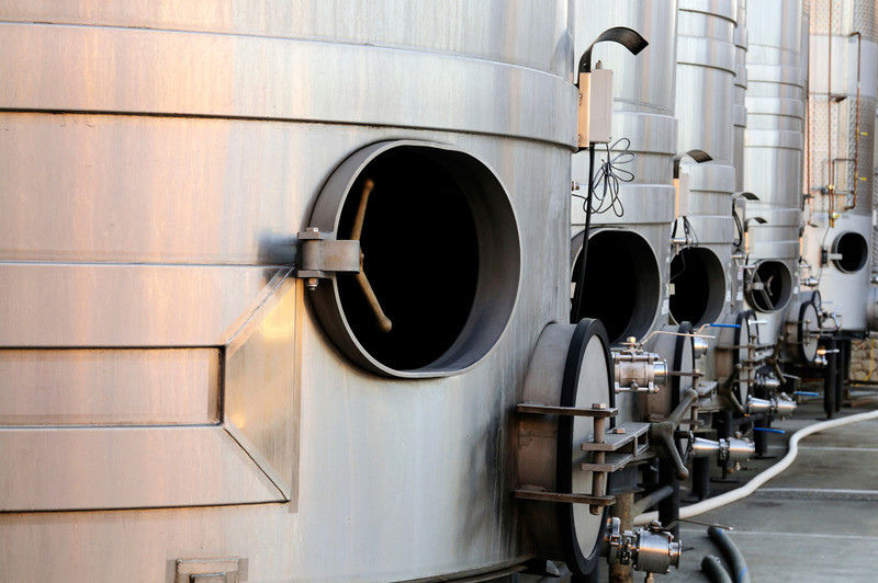 Steel tanks for wine making
