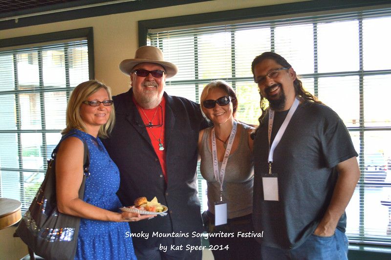 2014SMSWF0821THUR153 Pam and Tony Mullins w Camille and Chris Wallin