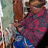 woman-weaves-loom-1-3
