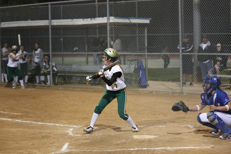 Simple footwork over the plate ready to bunt
