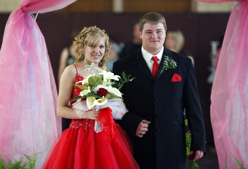 HHS-2010-PromGrandMarch8903