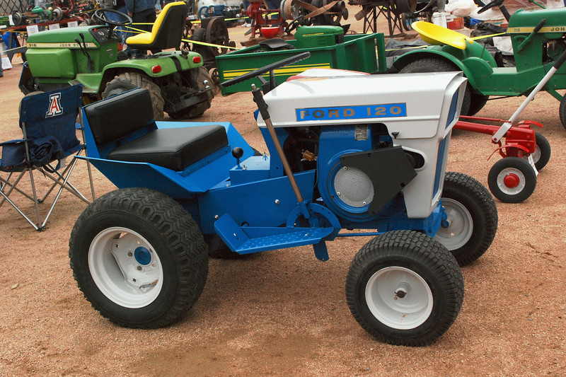Ford 120 1966-71 garden tractor side rt