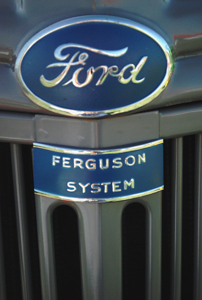 Ford 1941 9N ft emblems