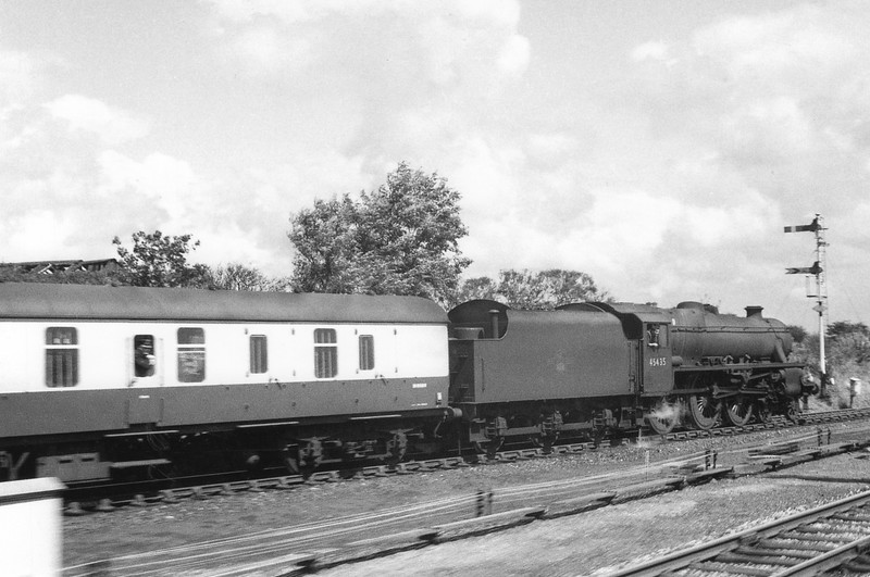 Held at signals in a WCML loop 45435 is seen on a parcels service on 28/07/67.