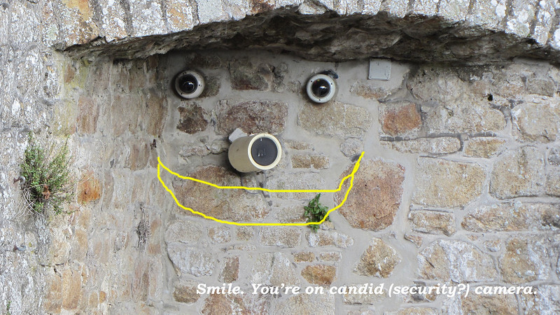 20131005a Mont Saint Michel (10b) smiling camera lights
