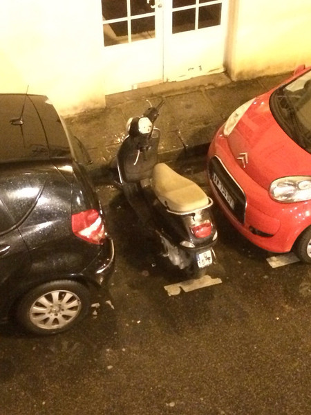 How to park in Paris