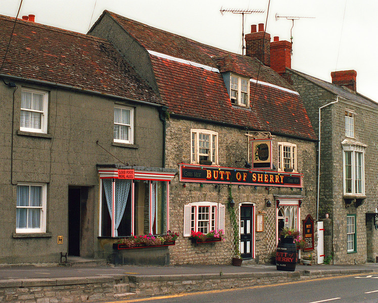Butt Of Sherry, Castle Street, Mere, Warminster, Wiltshire, BA12, England. August 1990