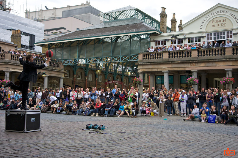 This busker (Google Covent Gardens Juggler) was working the crowd at Covent Gardens for about 45 minutes, including juggling chainsaws in his underwear, and riding a unicycle. IMG_4850