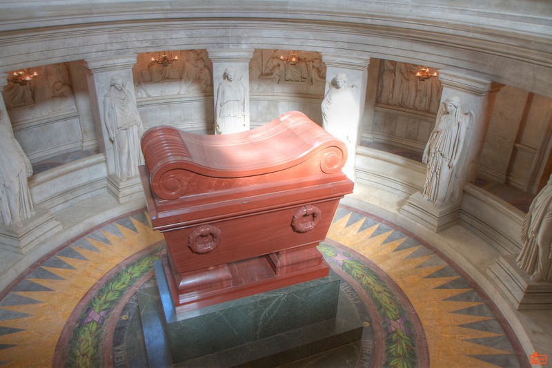 The tomb of Napoleon Bonaparte is made of red quartzite on a green marble base. IMG_2517