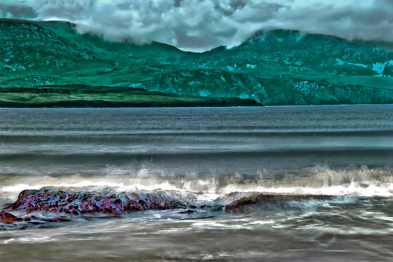 2012-07-07_Ireland_Donegal_WavesOnSeaweed5145