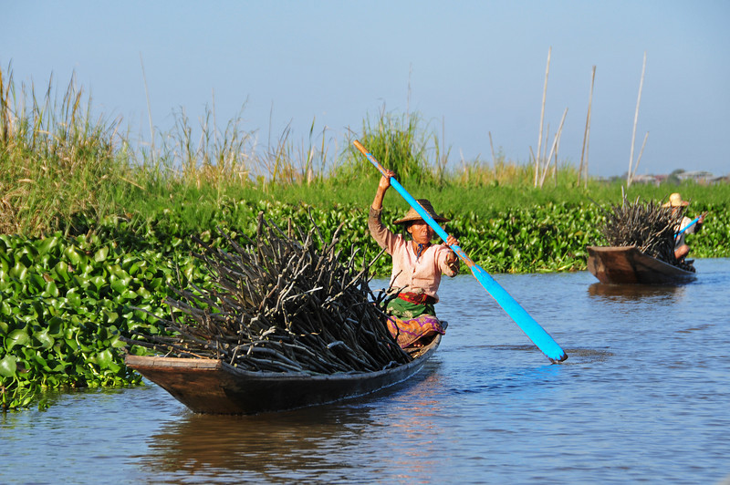Boat trip on lake Inle
