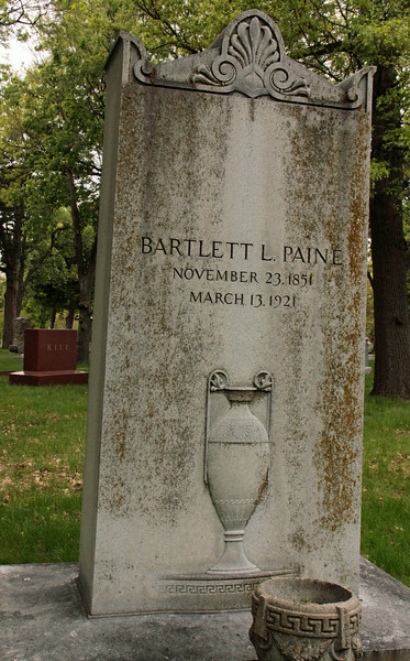 The Paine Bartlett stone with engraved urn.
